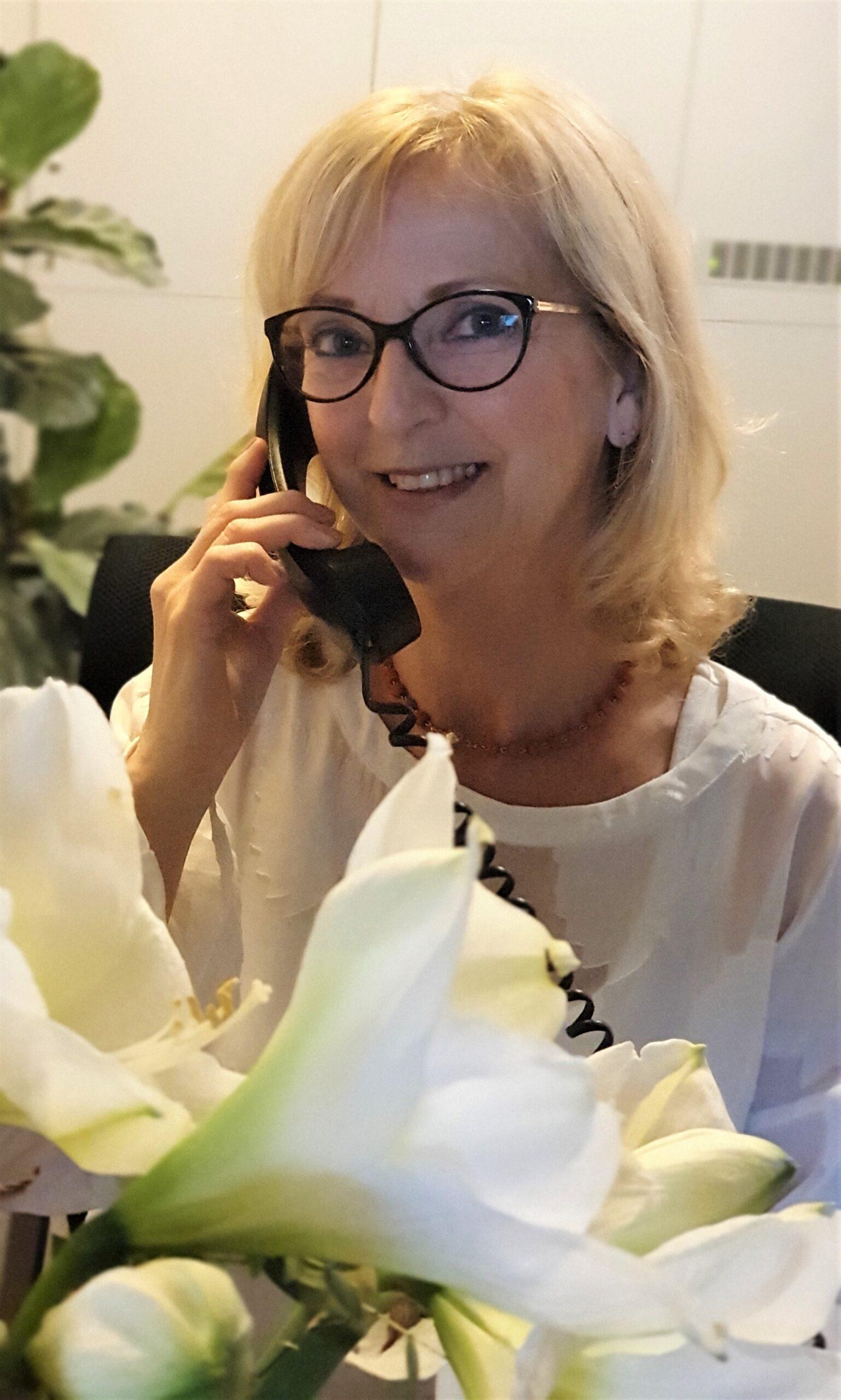 Karin receptioniste 2